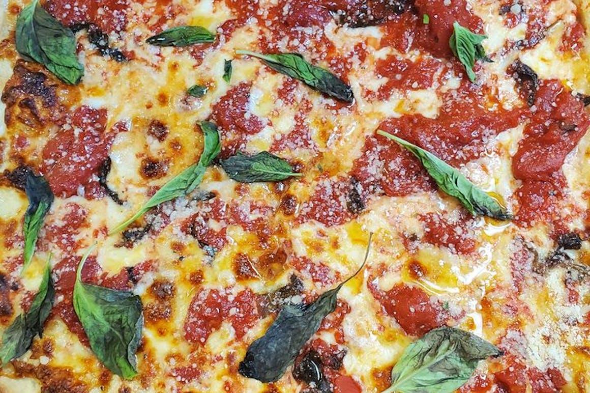 Pasquale's Pizzeria's restaurant story