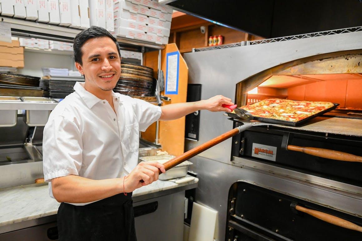 La Famiglia Ristorante & Pizzeria's restaurant story