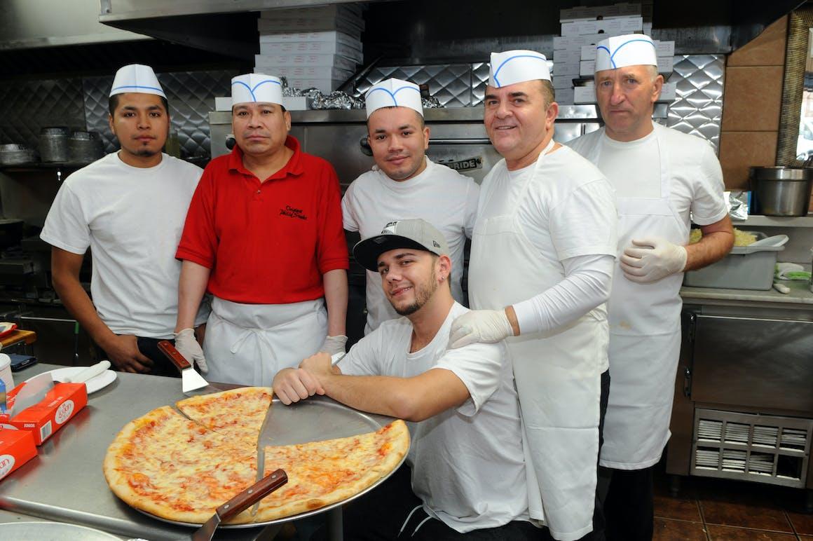 Gio's Pizza's restaurant story