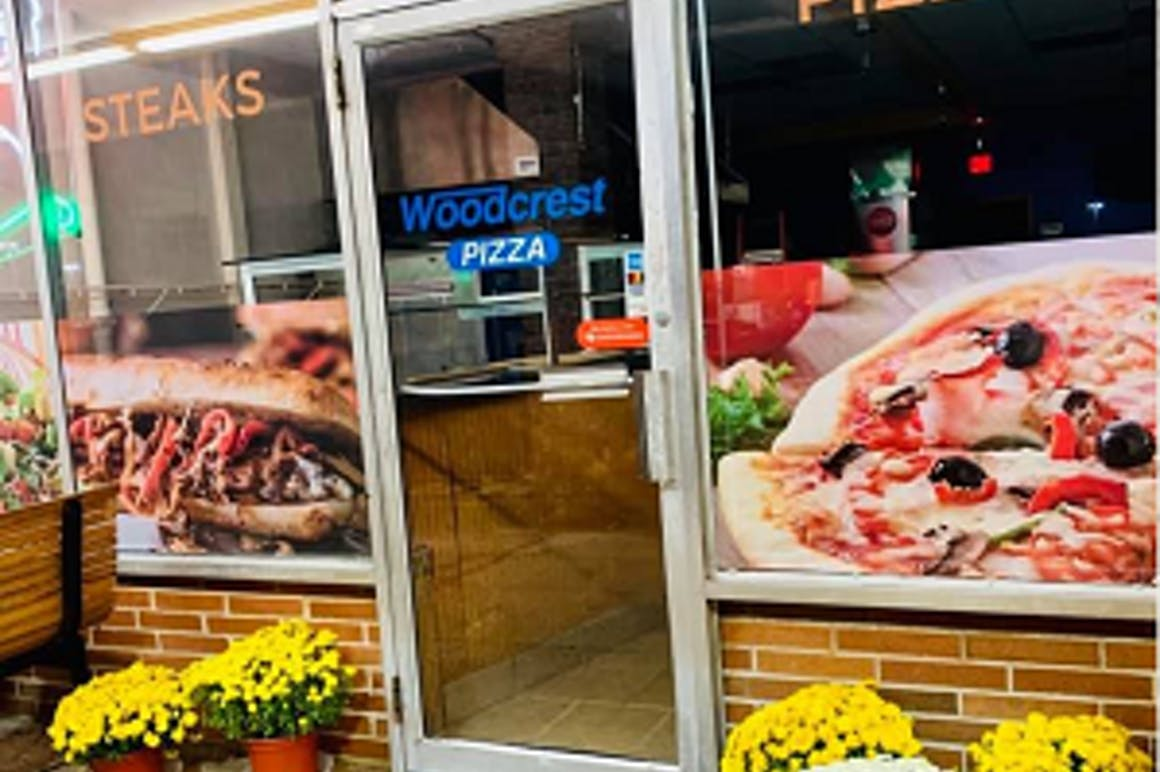 Woodcrest Pizza's restaurant story