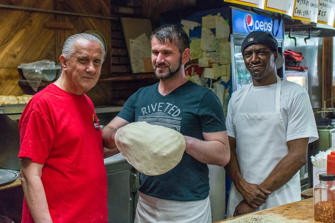 Arturo's Pizza's restaurant story